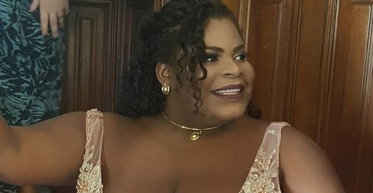 Jojo Todynho Surge Com Vestido De Noiva Superdecotado 98fm